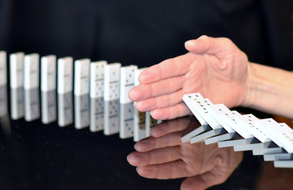 dominoeffect open brief aan de drukke ondernemer